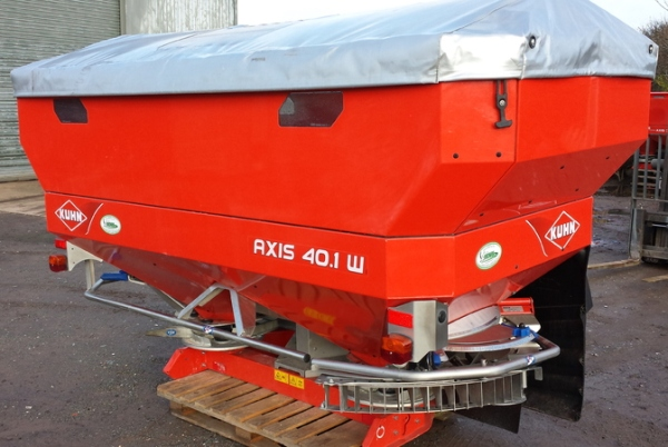 Kuhn Axis 40.1W Fertiliser Spreader for sale at Collings Brothers of Abbotsley