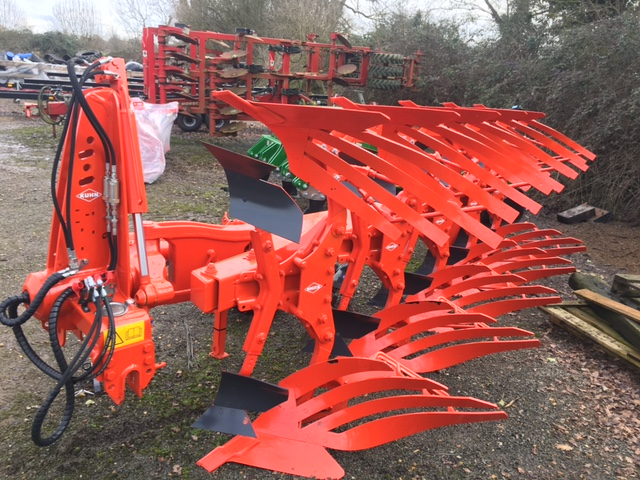 Kuhn MM153 Plough for sale at Collings Brothers of Abbotsley