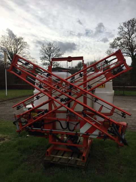 Kuhn Optis 12 Metre Mounted Sprayer for sale at Collings Brothers of Abbotsley