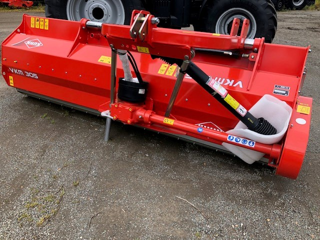 Kuhn VKM305 Flail Mower for sale | Collings Brothers of Abbotsley